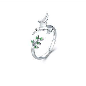 Hummingbird adjustable ring